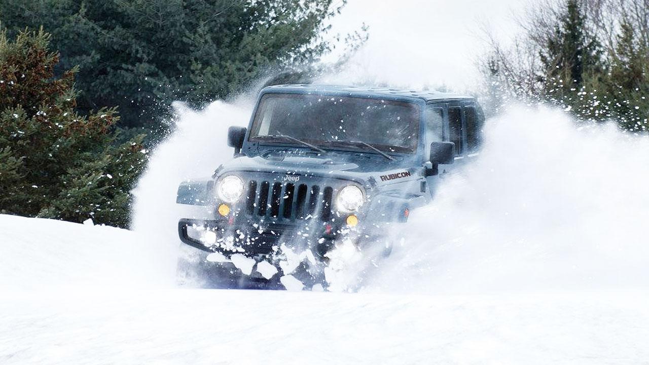 Jeep牧马人雪山撒野