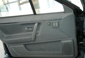 桑塔纳驾驶员门储物盒