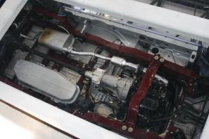 路尊大霸王发动机图片