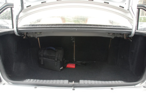 羚羊 行李箱空间