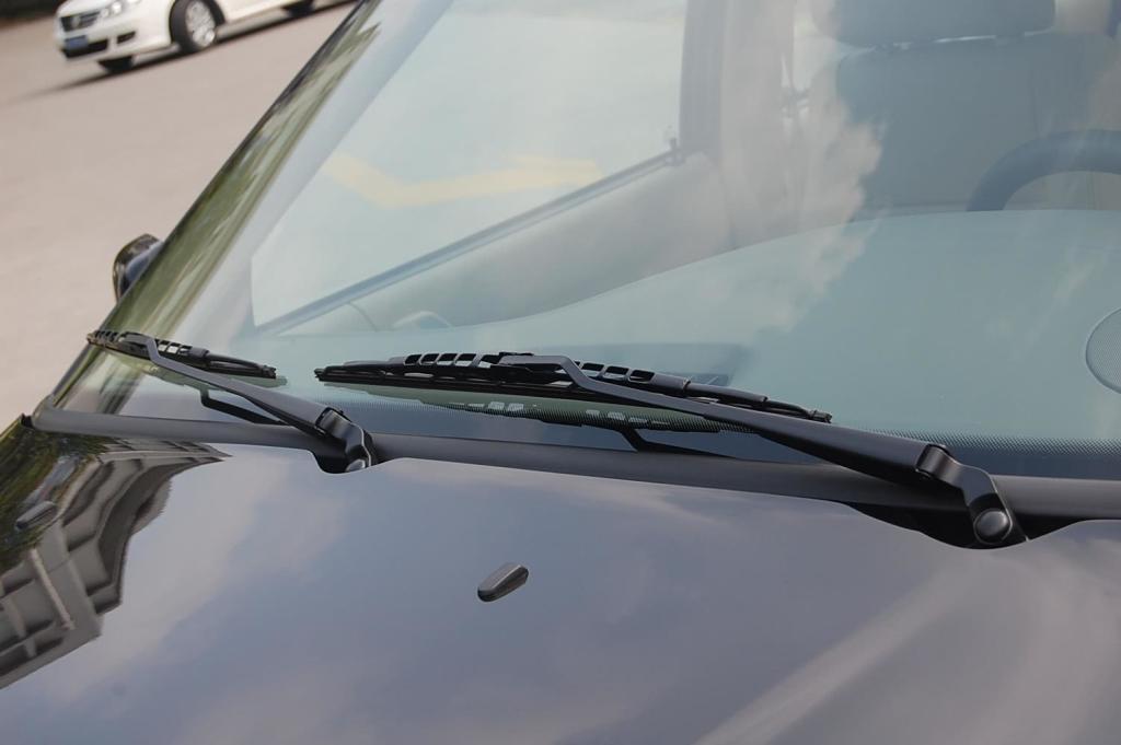 教练车桑塔纳雨刮器图片_【桑塔纳2013款16L自动豪华版雨刷器前汽