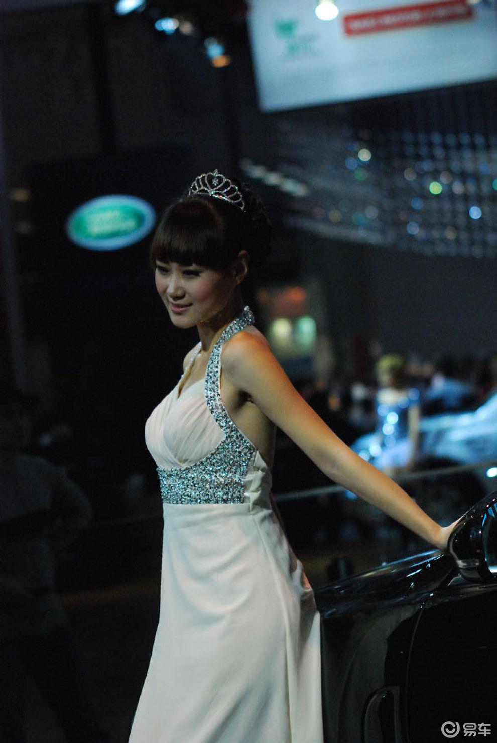 【捷豹活泼可爱车模图片】-易车网bitauto.com