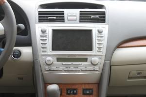 凯美瑞Hybrid中控台正面图片