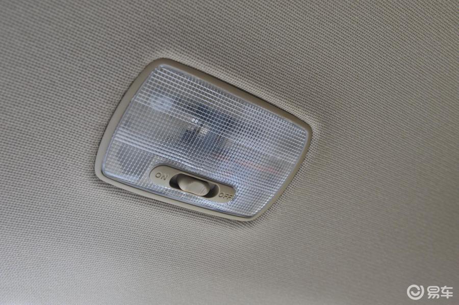 【德赛新奥2009款领秀版后排阅读灯汽车图片奥迪a5时间在那里调图片