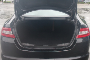 捷豹XFR(进口)行李箱空间图片