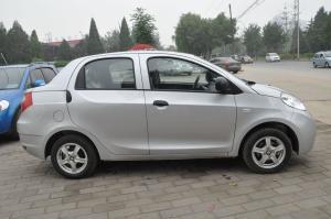 瑞麒M5正侧(车头向右)图片