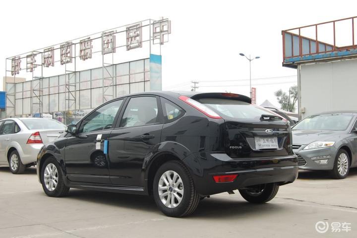 福克斯两厢_【福克斯两厢2012款16L手动舒适型正侧车头