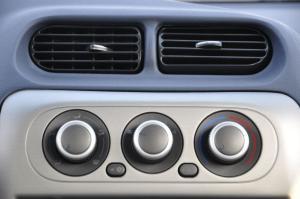 众泰2008 中控台空调控制键