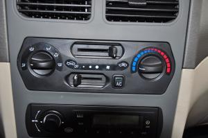 一汽夏利A+ 中控台空调控制键