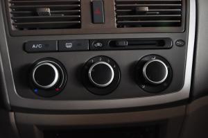 一汽威志三厢 中控台空调控制键