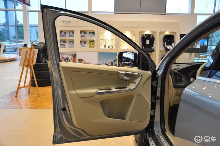 沃尔沃xc60(进口) 2.0t t5 智雅版驾驶员侧车门内门板