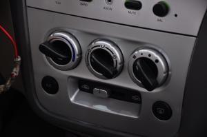 哈飞路宝 中控台空调控制键