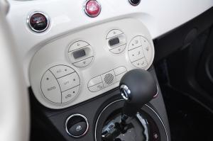 进口菲亚特500 中控台空调控制键