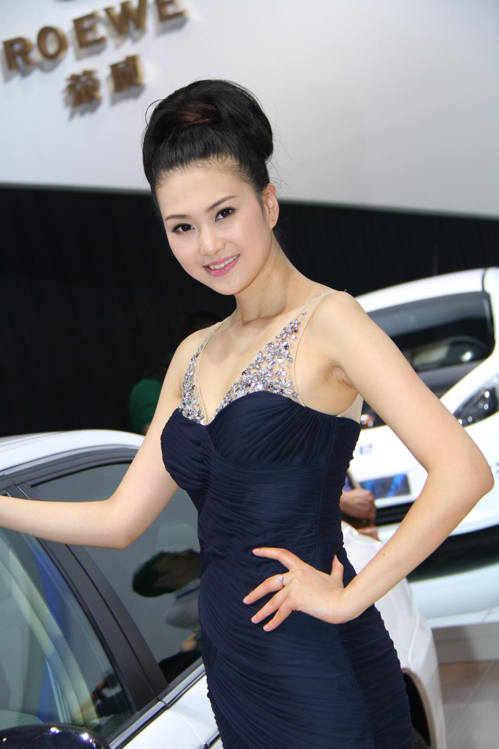 上汽荣威02号车模