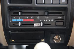 东风小康K01中控台空调控制键图片
