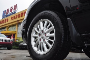 大捷龙2012款 3.0L 自动 豪华版 外观黑云母色