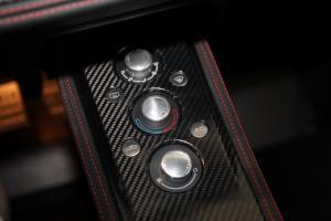 路特斯Evora中控台空调控制键图片