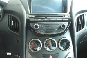 进口现代劳恩斯coupe 中控台音响控制键