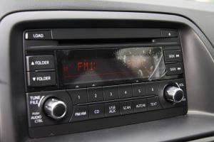 CX-5中控台音响控制键