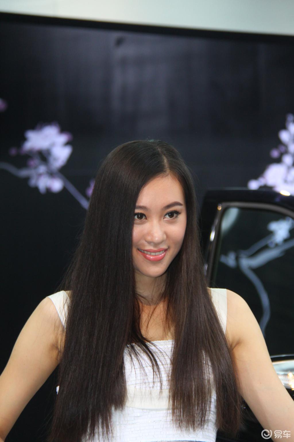 台湾的长发美女怎能少了粉红芭比图片