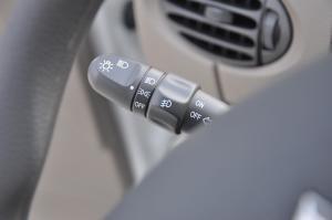 上汽大通MAXUS V80改装车 大灯远近光调节柄