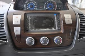 上汽大通V80改装车 中控台空调控制键