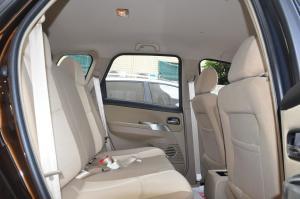 景逸SUV2012款 1.6L 手动 豪华型 外观翡丽棕 内饰上黑下米