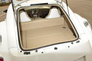 威兹曼GT(进口)行李箱空间图片