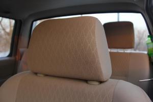 郑州日产D22皮卡驾驶员头枕图片