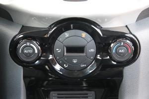翼搏中控台空调控制键
