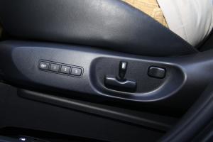 CX-9座椅调节键