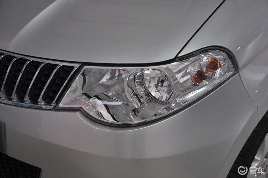 五菱汽车大灯调节位置图解