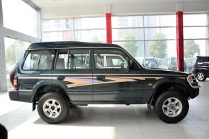 猎豹6481正侧(车头向右)图片