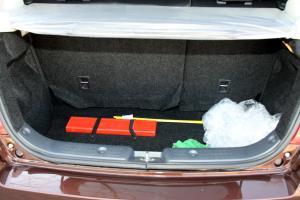 雨燕行李箱空间