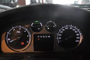 进口凯迪拉克凯雷德 Hybrid 仪表盘背光显示