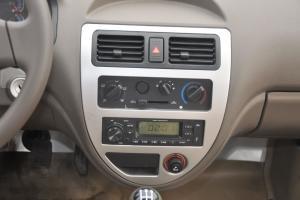 佳宝V70 Ⅱ中控台正面图片