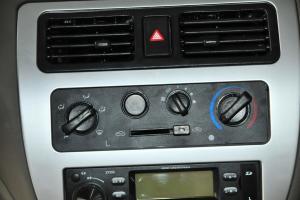 一汽佳宝V70 中控台空调控刉���