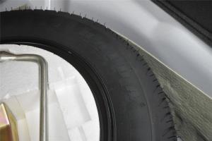 野马F10                备胎品牌