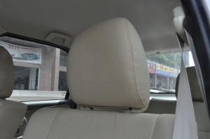 众泰5008驾驶员头枕图片