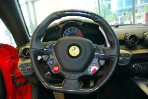 法拉利F12 berlinetta 方向盘