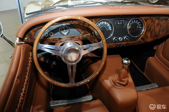 摩根Roadster完整内饰(驾驶员位置)(544323);