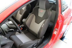 嘉年华ST驾驶员座椅图片