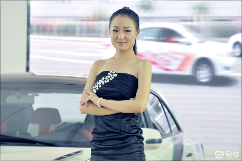 2013银川车展美女模特图片