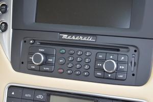 玛莎拉蒂GC中控台音响控制键图片