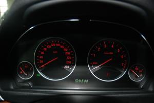 宝马4系(进口)仪表盘背光显示图片