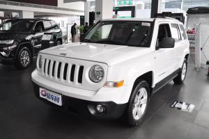 Jeep 自由客 2014款 2.4L 自动 豪华导航版