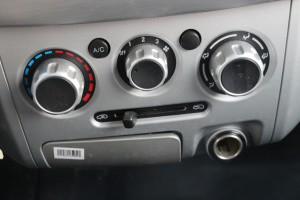 东风小康V27 中控台空调控制键