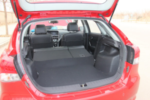 V6菱仕 东南V6菱仕 1.5T智控版空间-红色