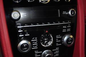 Rapide中控台空调控制键