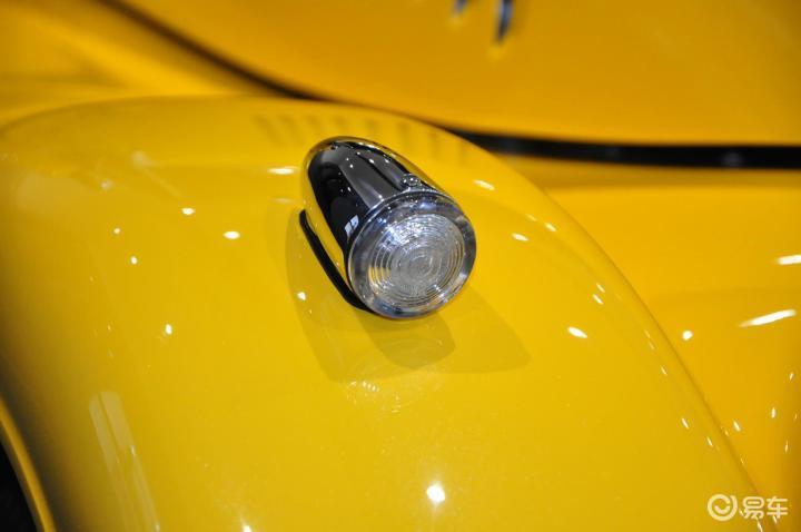 摩根Roadster雾灯(522466);